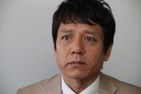 インタビューに答える勝村政信さん=東京都品川区で2018年5月、小座野容斉撮影