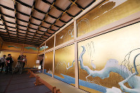 The Sagi-no-roka, or heron corridor, connects the Taimenjo, a reception hall, to the Jorakuden, the shogun's rooms, in Nagoya Castle's rebuild Honmaru Palace in Nagoya's Naka Ward, on June 4, 2018. (Mainichi)