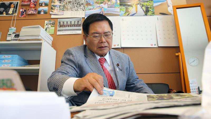 竹本直一氏=宮武祐希撮影