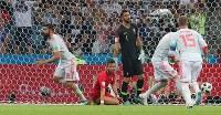 【ポルトガル―スペイン】後半10分、ゴールを決めたスペインのディエゴコスタ(左)=ロシア・ソチで2018年6月15日、長谷川直亮撮影