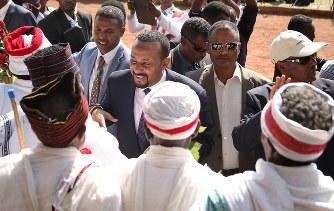 エチオピア:急進改革 新首相、...