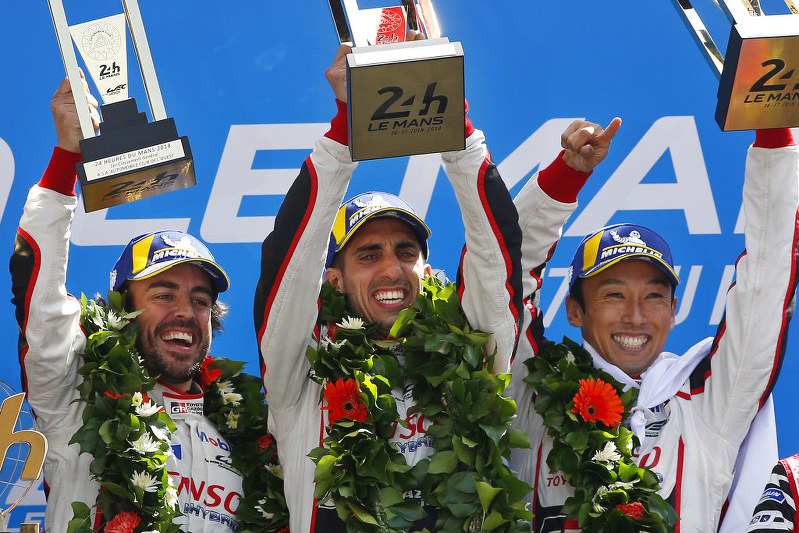 Fernando Alonso wins Le Mans 24 with Toyota