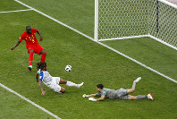 Belgium's Romelu Lukaku, left, fails to score past Panama's Roman Torres and goalkeeper Jaime Penedo, right, during the group G match between Belgium and Panama at the 2018 soccer World Cup in the Fisht Stadium in Sochi, Russia, Monday, June 18, 2018. (AP Photo/Victor R. Caivano)