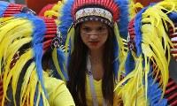 【コロンビア・日本】試合に備えるコロンビアの女性サポーター=AP
