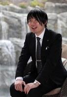 名人戦第6局を振り返る佐藤天彦名人=山形県天童市の天童ホテルで2018年6月21日、梅村直承撮影