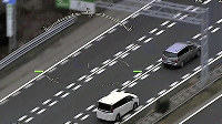 福岡県警が訓練で撮影した「あおり運転」の様子=福岡県警提供