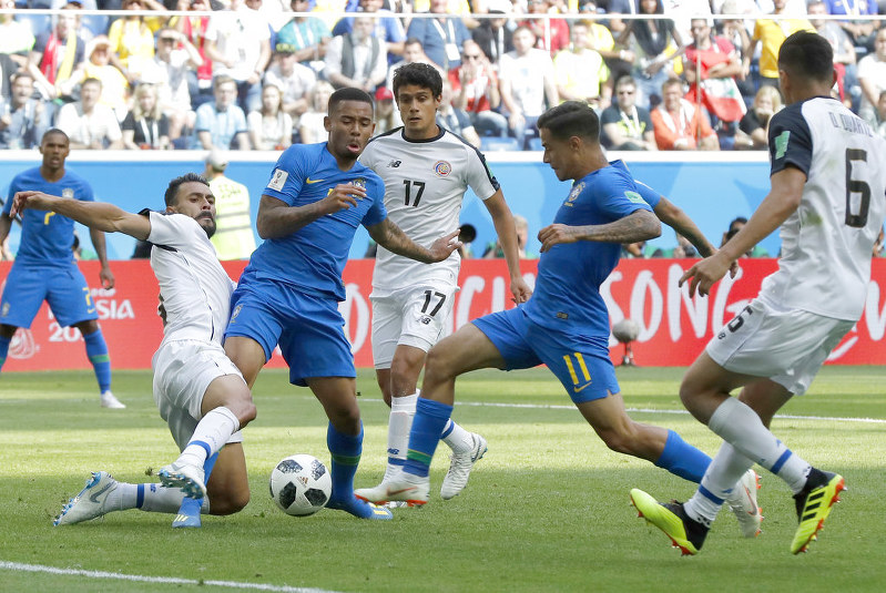 Soccer: Brazil leaves it late to beat Costa Rica 2-0 at