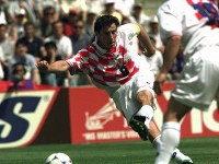 【日本・クロアチア】後半32分、決勝ゴールを決めるシュケル=仏・ナントで1998年6月20日、藤井太郎撮影