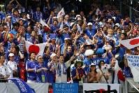 【日本・クロアチア】試合前、盛り上がる日本人サポーター=ドイツ・ニュルンベルクのフランケン競技場で2006年6月18日、竹内幹撮影