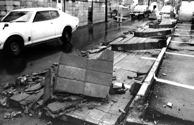 宮城県:「ブロック塀」40年前の教訓継続 - 毎日新聞