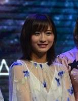 歌手デビューをした中国湖南省出身の龍夢柔さん=上海市内で19日、工藤哲撮影