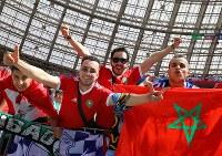 スタンドで盛り上がるモロッコサポーター=ロシア・モスクワのルジニキ競技場で2018年6月20日、長谷川直亮撮影