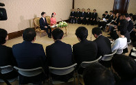 Reporters gather at a news conference for Princess Ayako, the youngest daughter of Emperor Akihito's late cousin Prince Takamado, and her finance Kei Moriya, an employee at major shipping firm Nippon Yusen Kabushiki Kaisha, at the Imperial Household Agency in Tokyo's Chiyoda Ward on July 2, 2018. (Pool photo)