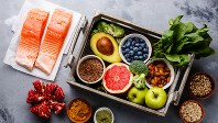魚や野菜、豆類など健康的な食品
