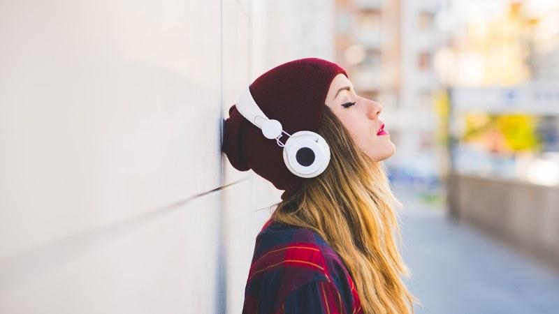 難聴 ヘッドホン 【聞き過ぎ注意】イヤホン難聴、ヘッドホン難聴の症状と改善方法|パートナーズ補聴器