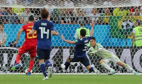 2日のベルギー戦の試合終了間際、日本はベルギーのシャドリ(左端)に決勝ゴールを決められる=長谷川直亮撮影