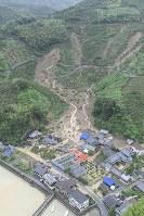 The scene of a landslide is seen in Uwajima, Ehime Prefecture, on July 8, 2018. (Mainichi)