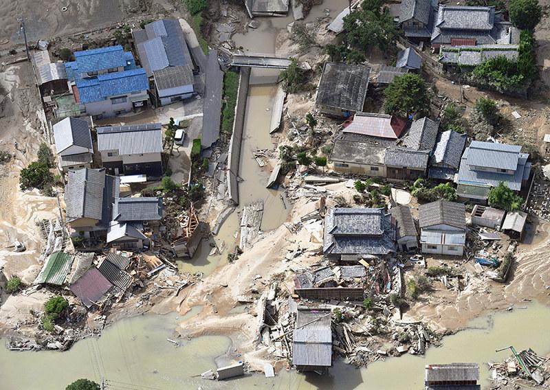 西日本豪雨:死者105人に 不明87...