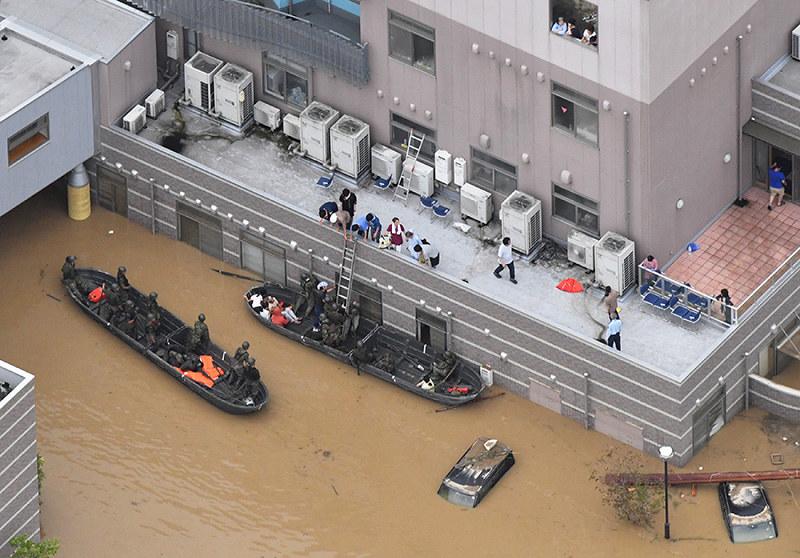 病院浸水、孤立2日 患者、住民300人脱出 停電、断水続く不安 岡山・倉敷の真備地区関連記事アクセスランキング編集部のオススメ記事