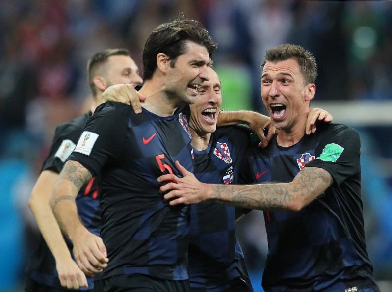 ロシアW杯:サッカー 準々決勝 ...