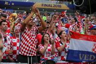 サッカーW杯ロシア大会決勝【フランス―クロアチア】試合前から盛り上がるクロアチアサポーター=ロシア・モスクワのルジニキ競技場で2018年7月15日、長谷川直亮撮影