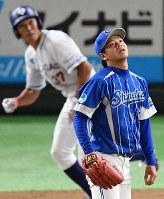 【大阪市(大阪ガス)-長野市(信越ク)】七回裏大阪市無死一、二塁、上西が左越え3点本塁打を放つ=東京ドームで2018年7月17日、渡部直樹撮影