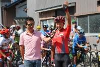 学法石川高校出身の窪木一茂(チームブリヂストンサイクリング)が選手宣誓=JBCF提供