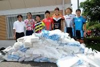 西日本豪雨災害の被災地支援として集められた土のう袋は1万枚に上った=JBCF提供