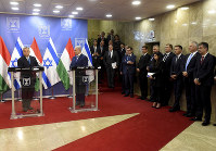 Hungarian Prime Minister Viktor Orban, left, attends a joint press conference with Israeli Prime Minister Benjamin Netanyahu, at the Prime Minister's office in Jerusalem, on July 19, 2018. (Debbie Hill/Pool Photo via AP)