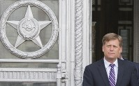 In this May 15, 2013 file photo, U.S. Ambassador to Russia Michael McFaul leaves the Foreign Ministry in Moscow, Russia. (AP Photo/Misha Japaridze)