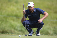 Troy Merritt lines up a putt during the second round of the Barbasol Championship golf touranment at Keene Trace Golf Club in Nicholasville., Ky., on July 20, 2018. (Silas Walker/Lexington Herald-Leader via AP)