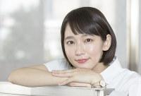 ドラマ「健康で文化的な最低限度の生活」に主演する女優の吉岡里帆=大阪市北区で