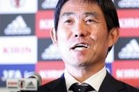 サッカー日本代表の新監督に就任が決まり、記者会見する森保一氏=東京都港区で2018年7月26日午後7時34分、小川昌宏撮影