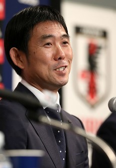 サッカー日本代表の新監督に就任が決まり、記者会見する森保一氏=東京都港区で2018年7月26日午後7時13分、小川昌宏撮影