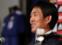 サッカー日本代表の新監督に就任が決まり、記者会見する森保一氏=東京都港区で2018年7月26日午後7時6分、小川昌宏撮影