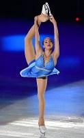 アイスショーで華麗な演技をするアリーナ・ザギトワ=丸善インテックアリーナ大阪で2018年7月28日、木葉健二撮影