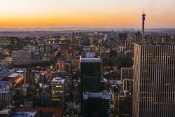 中国は南アフリカに140億ドルの投資を決めた(ヨハネスブルク) (Bloomberg)