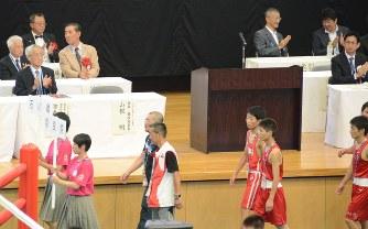 ボクシング:ワンマン会長に反旗...
