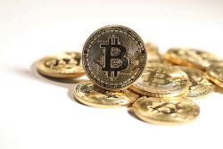 ビットコインもバブルに Bloomberg