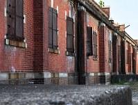 重厚な赤レンガの壁が特徴的な建物群=広島市南区で2018年8月1日、山田尚弘撮影