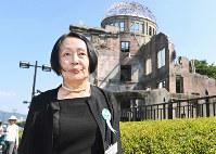 平和記念式典参列後に原爆ドームを訪れる被爆2世の細田伸子さん。「多くの遺族に会って気持ちを共有できて良かった」と語った=広島市中区の平和記念公園で2018年8月6日、山崎一輝撮影