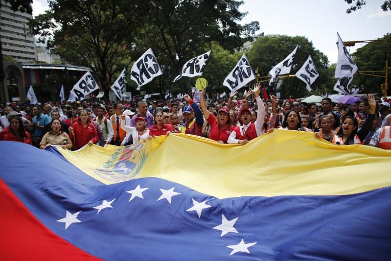 Venezuela arrests 6 over drone explosions during Maduro speech