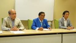 第三者委員会報告書格付け委員会の記者会見=東京都千代田区で2018年8月2日、今沢真撮影