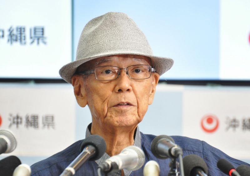 訃報:沖縄県の翁長雄志知事が死...