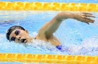 女子400メートル個人メドレー決勝を制した大橋悠依の自由形=東京辰巳国際水泳場で2018年8月9日、梅村直承撮影