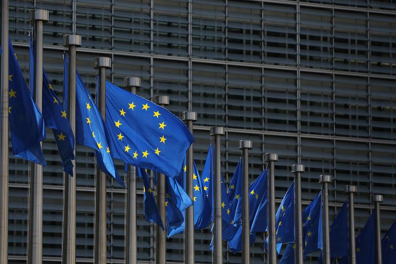 EUの動向はIFRSの方向性に影響を与えるかもしれない(Bloomberg)