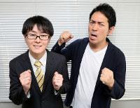 お笑いコンビ「スーパーマラドーナ」の田中一彦(左)と武智=大阪市北区のよしもと西梅田劇場で、幾島健太郎撮影