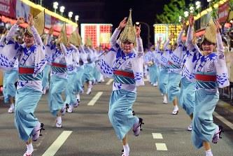 阿波踊り:徳島市主導の開催も「総踊り」巡り混乱 - 毎日新聞