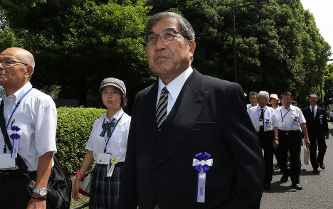 Kimio Suzuki heads to a ceremony to pay tribute to those who lost their lives in the war, at the Nippon Budokan venue in Tokyo's Chiyoda Ward on Aug. 15, 2018. (Mainichi)