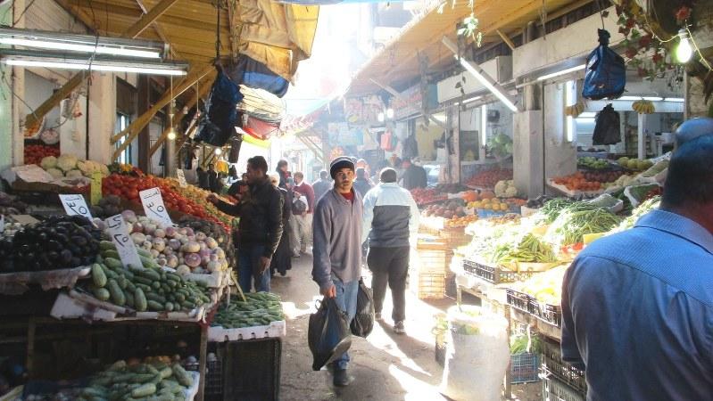 アンマンダウンタウンのスーク(市場)にはアラブらしい風情が残っていた(写真は筆者撮影)